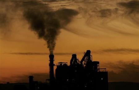 Αυστηρότερα όρια στις εκπομές ρύπων της βιομηχανίας